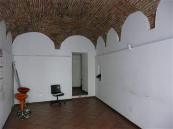 Locale commerciale in Via Mario Capuani, Teramo
