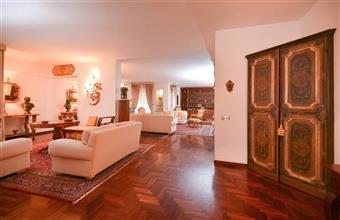 Appartamento in Via Gramsci, P. Partigiani, Lecce