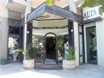 Locale commerciale in Viale Aldo Moro, Commenda, Brindisi