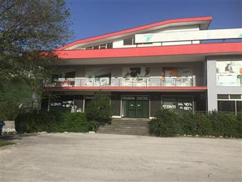 Locale commerciale in S.s. 5 Tiburtina Valeria Km 189,8, Rovetone, Tocco Da Casauria
