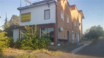 Locale commerciale, Sant'ilario D'enza, da ristrutturare