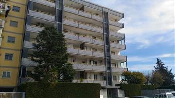 Trilocale in i Traversa Loseto -valenzano, Loseto, Bari