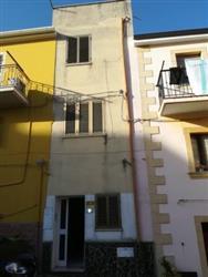Palazzo, Villanova Monteleone, ristrutturato