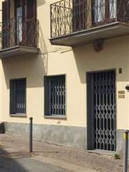 Locale commerciale in Via Monte Grappa, Rivoli