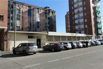Locale commerciale in Via Confalonieri, Torino