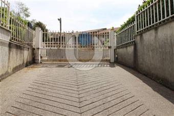 Garage / Posto auto in Via Mongioie, Rivoli