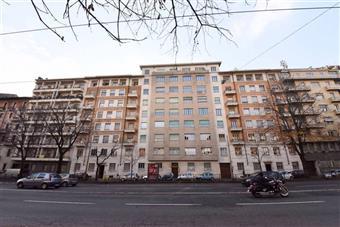 Trilocale in Corso Luigi Einaudi, Crocetta, Torino