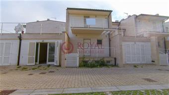 Villa a schiera, Livorno, in ottime condizioni