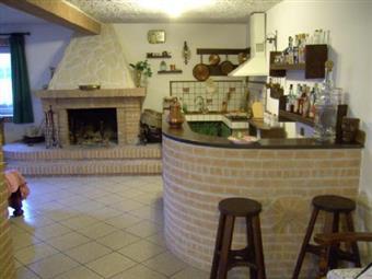 Colonica, Ancona, ristrutturata
