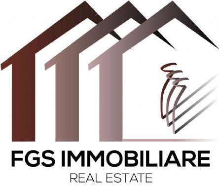 Agenzie immobiliare: FGS IMMOBILIARE DI JONNY SAVELLI & C.