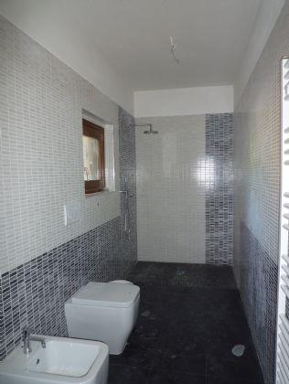 Vendita trilocale barberino di mugello in nuova costruzione riscaldamento autonomo rif ri - Piatto doccia sassi ...