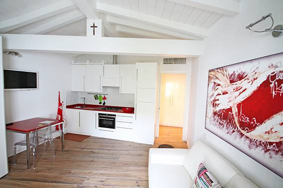 Affitto casa singola centrale bergamo ristrutturata for Case affitto bergamo