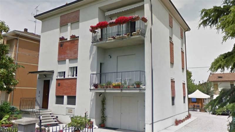 Affitto casa semi indipendente reggio emilia abitabile for Siti di case in affitto