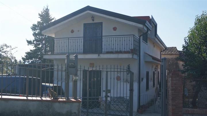 Case A Piana Di Monte Verna In Vendita E Affitto Risorseimmobiliari It