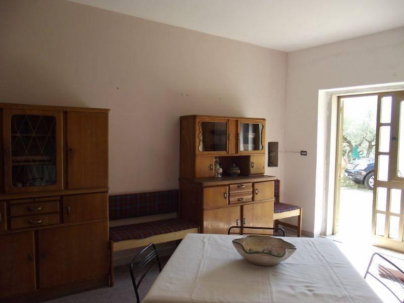 DSCF0049 (800x600).jpg: Rustico casale in C.da San Giacomo, San Fele