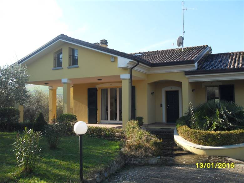 Vendita casa singola coriano in ottime condizioni rif for Siti di case in affitto