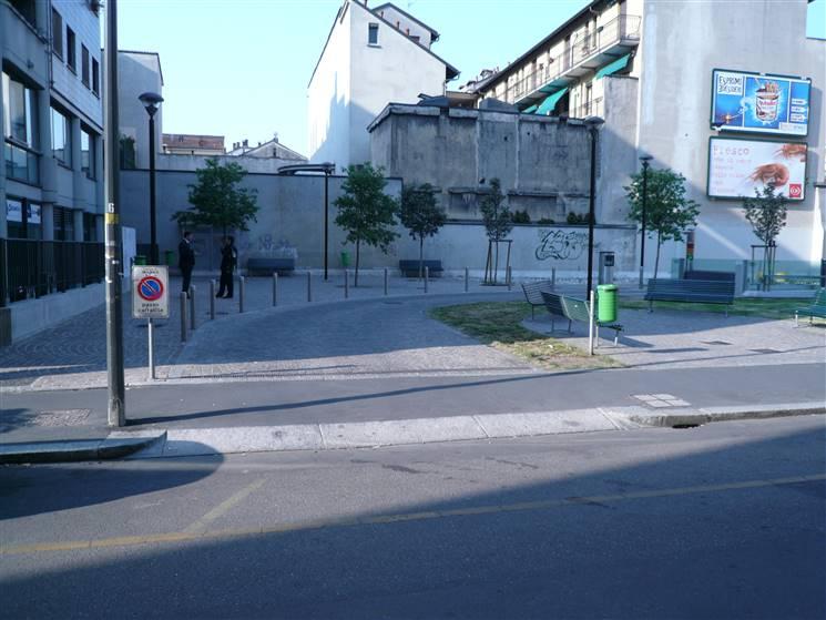 Affitto garage posto auto via adda stazione centrale for Garage centrale auto dijon