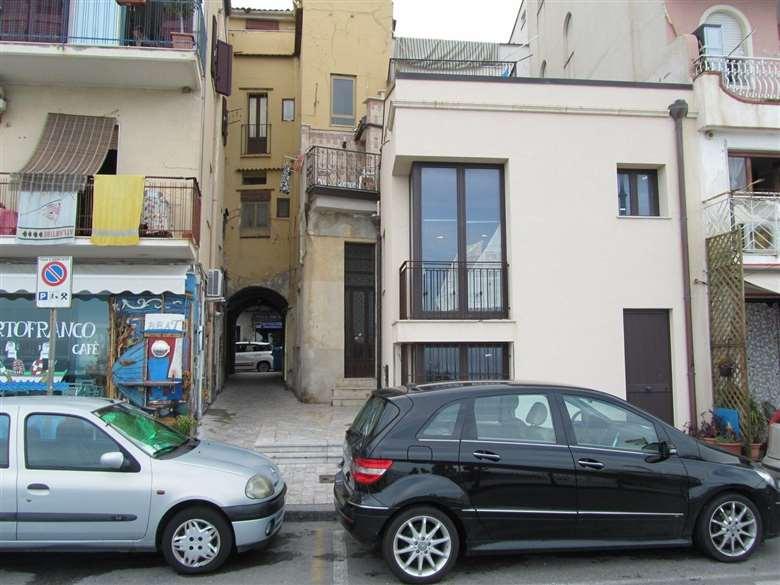Appartamenti in affitto acireale sea bordering apartment for Garage renault porte de vincennes