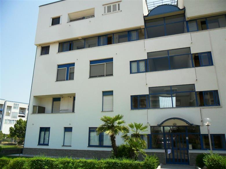Affitto appartamento quattromiglia rende rif ri 9045580 for Cerco appartamento arredato in affitto