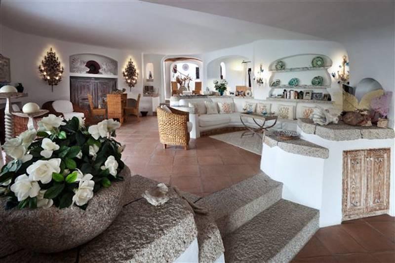 Vendita villa piccolo pevero pevero arzachena in for Arredare una villa