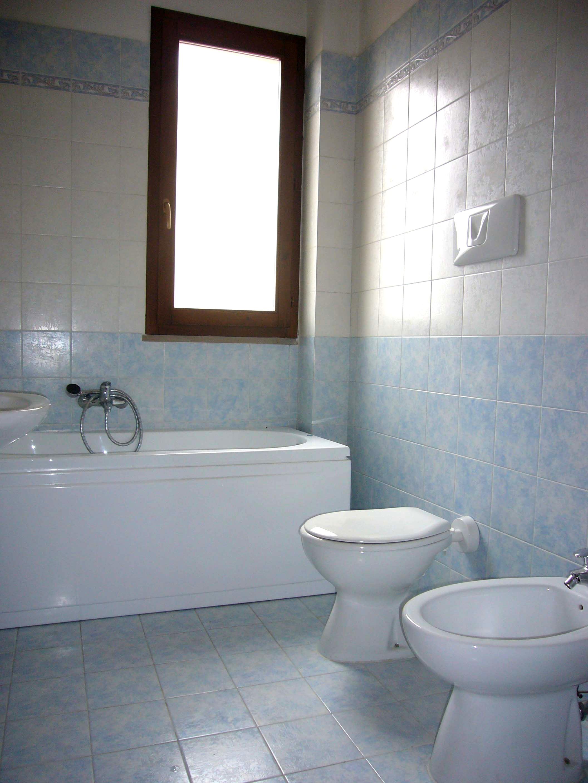 Vendita bilocale altopascio in nuova costruzione for Termoarredo bagno piccolo